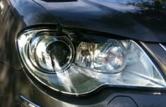Xenon headlights, follows the curve
